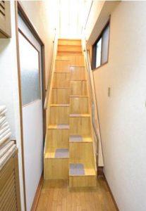 ゆるゆる階段全景(上三段は元の階段です)