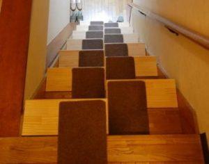 段違い階段上からの写真