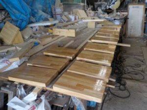 段違い階段1本柱タイプ 塗装